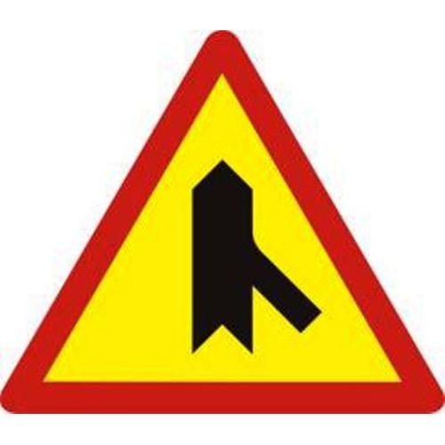 Biển báo hiệu giao nhau với đường không ưu tiên - W.207f
